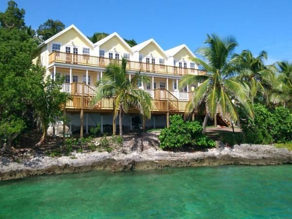 Bluff House Beach Resort & Marina - Hotell och Boende i Bahamas i Centralamerika och Karibien