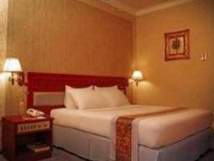 Weta International Hotel Surabaya - Guest Room