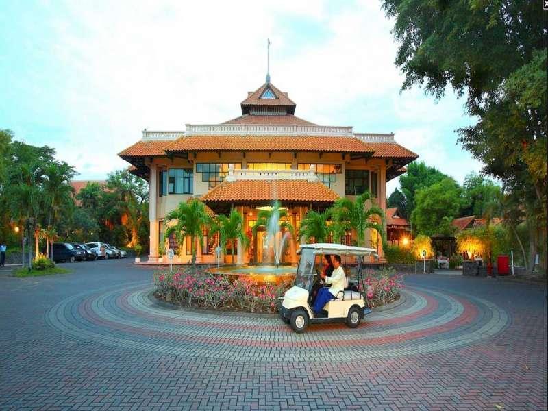 Hotell Equator Hotel