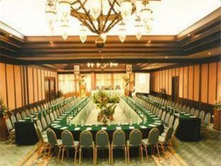 Equator Hotel Surabaya - Bilik Mesyuarat