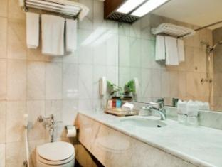 Elmi Hotel Surabaya - Koupelna