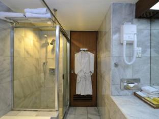 Elmi Hotel Surabaya - Vannituba