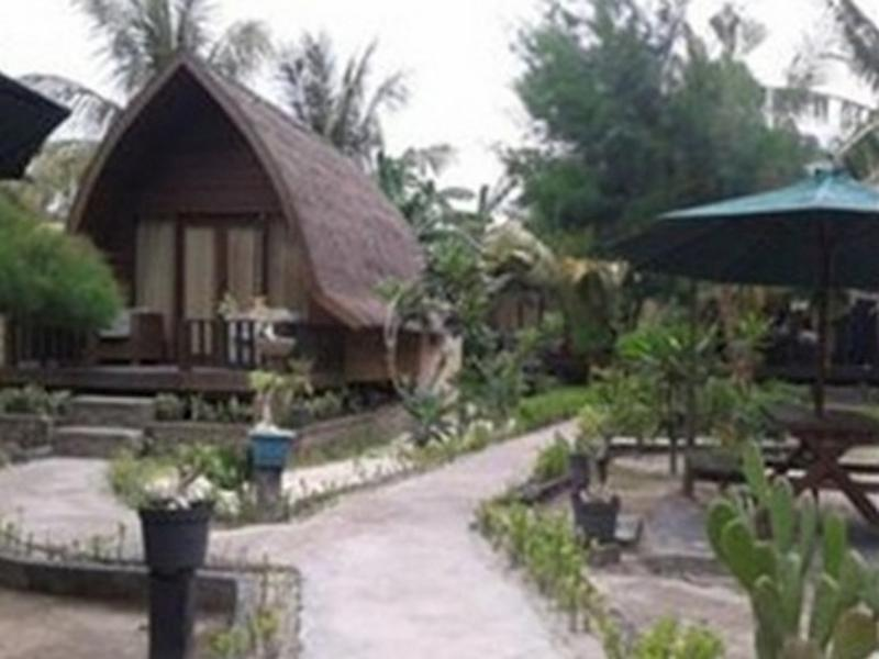Blue Beach Cottages I - Hotels and Accommodation in Indonesia, Asia