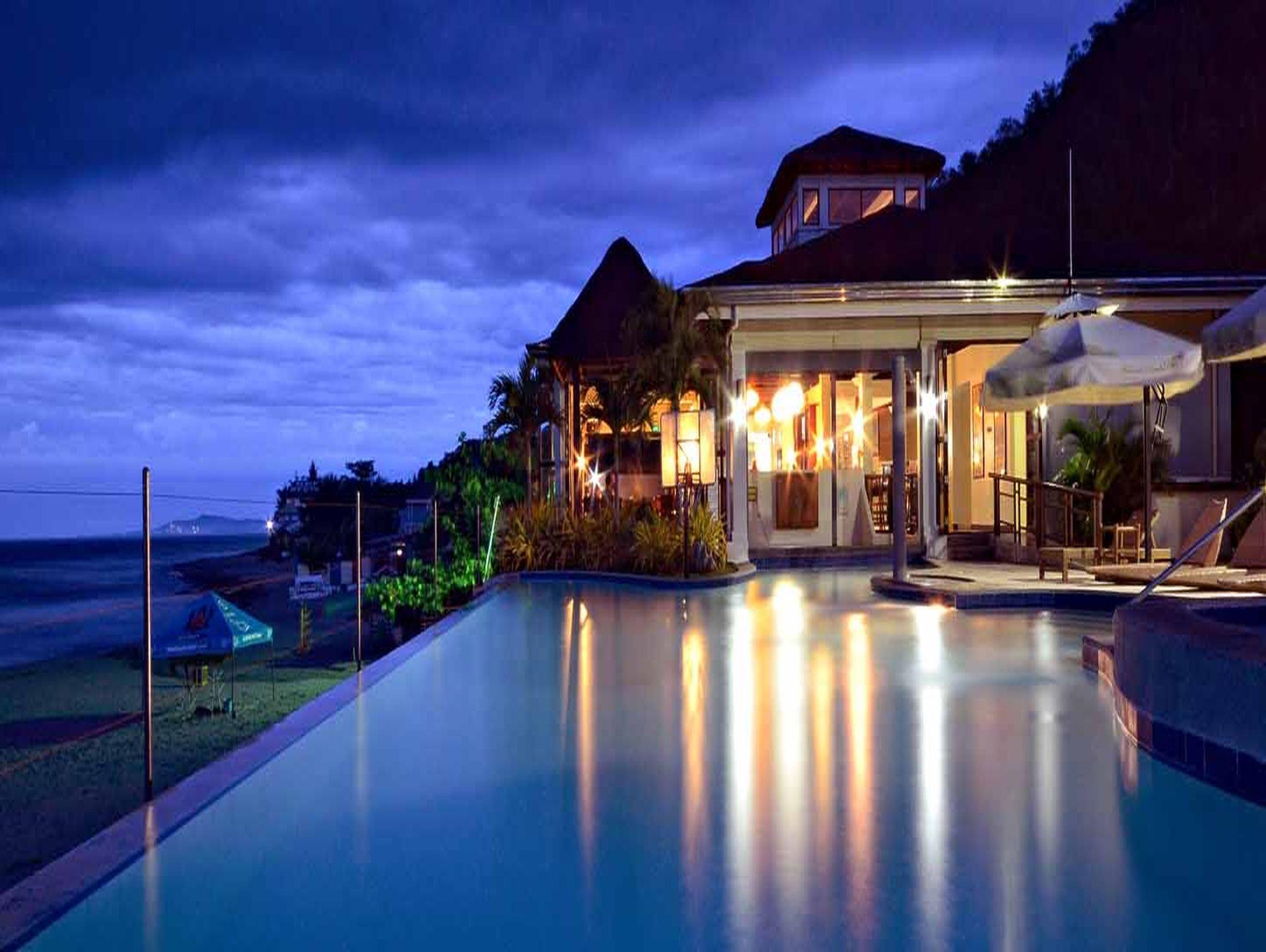 Kahuna Beach Resort And Spa Accommodation