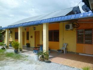 YNZ Homely Stay - Muslim Only - 1 star located at Kuah