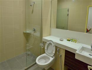 118 Residence - Island Plaza Penang - Bathroom