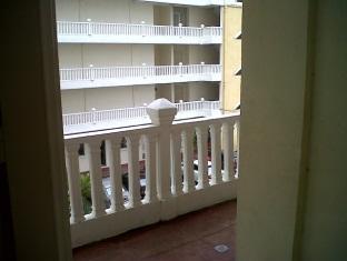 Pantai Indah Seaview Resort Klang - Balcony/Terrace
