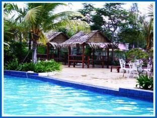 Pantai Indah Seaview Resort Klang - Swimming Pool