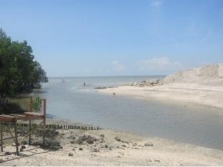 Pantai Indah Seaview Resort Klang - Beach