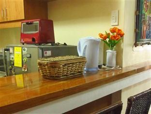 Agnes Paradise Condo Manila - Breakfast Nook