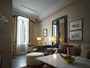 The Majestic Hotel Kuala Lumpur - Majestic Wing Kuala Lumpur - Governor Suite in Majestic Wing - Living Room