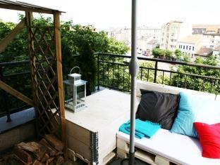 Freddie next to Mercury Hotel Bratislava - Balcony/Terrace