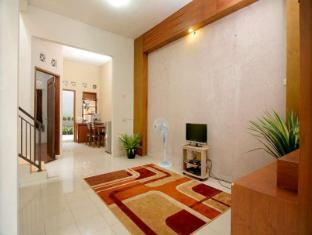 Alamat Hotel Murah Rumah Dyandra Suryalaya Hotel Bandung