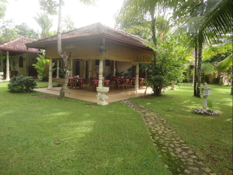 Dedduwa Boat House - Hotels and Accommodation in Sri Lanka, Asia