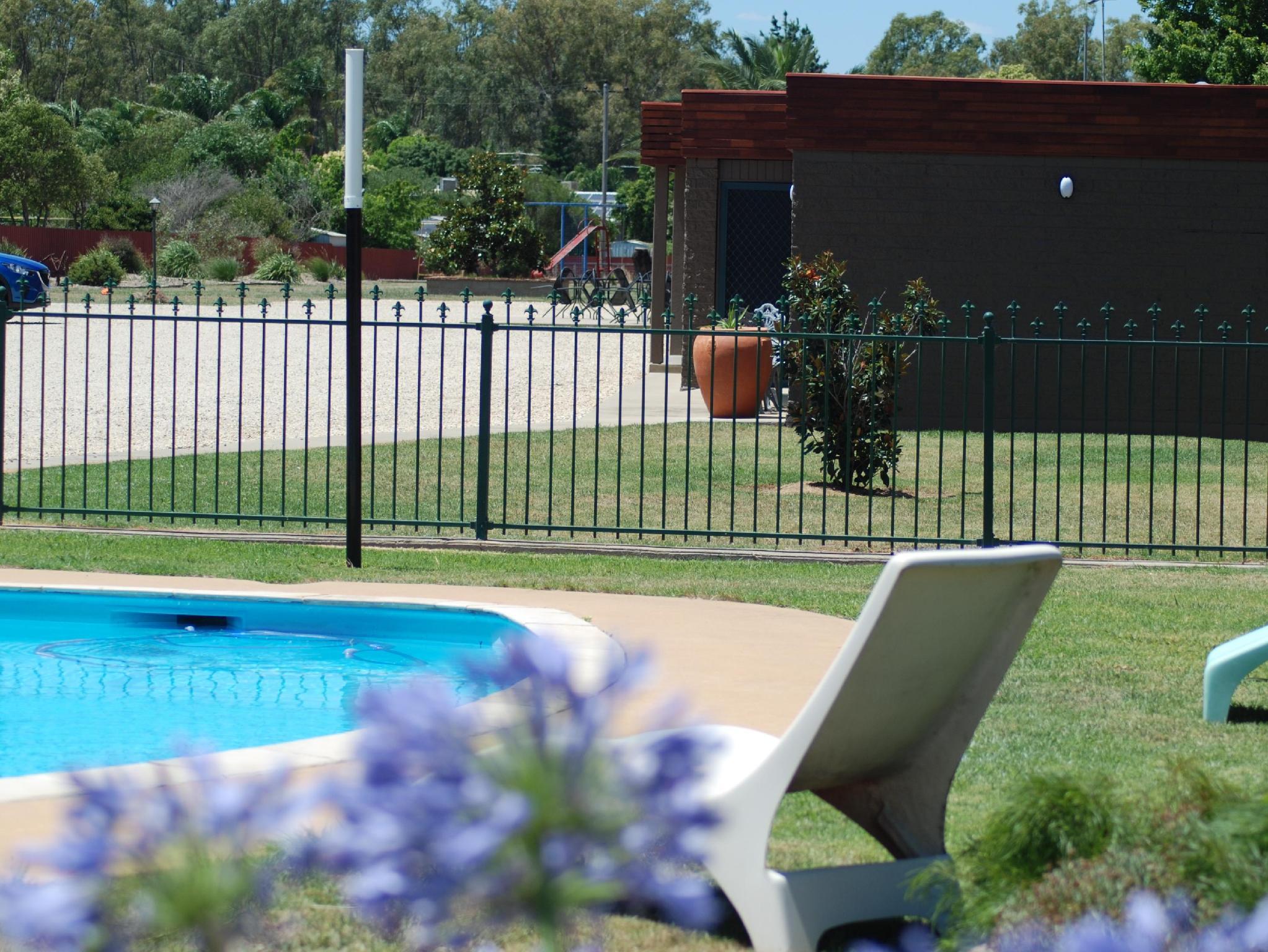 Motel Meneres - Hotell och Boende i Australien , Corowa