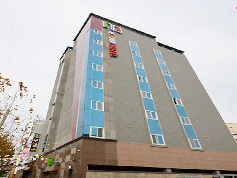 โรงแรม ดีไซน์ โน โมเต็ล  (Design No Motel)