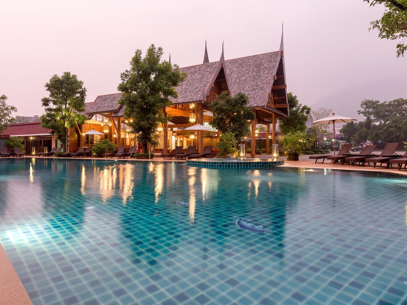 Hotell Dolphin Hotel Phuket i Patong, Phuket. Klicka för att läsa mer och skicka bokningsförfrågan