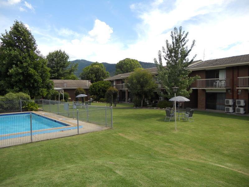 Bogong View Motor Inn - Hotell och Boende i Australien , Bright
