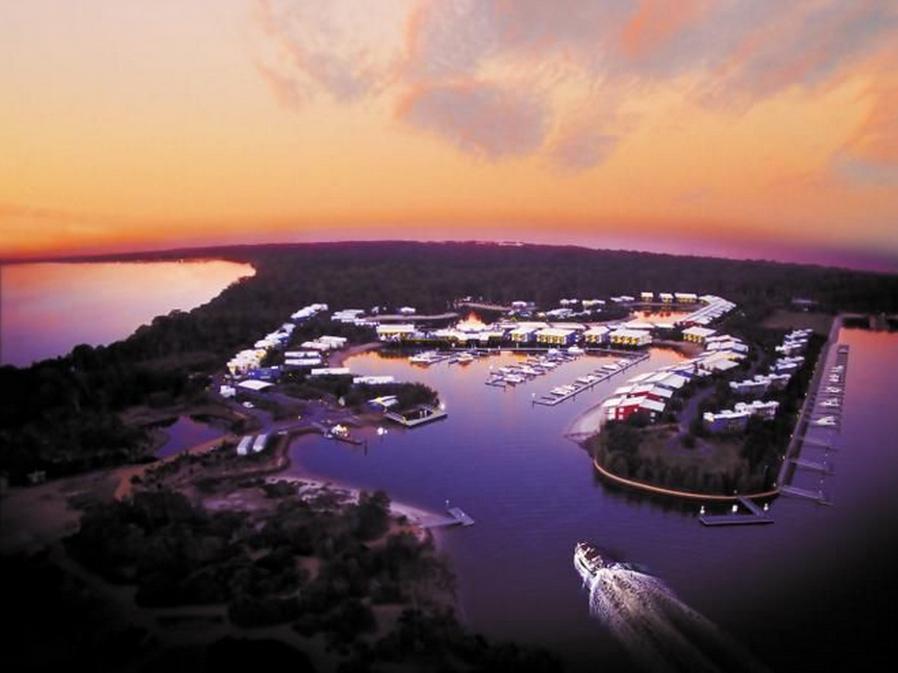 Ramada Couran Cove Island Resort - Hotell och Boende i Australien , Stradbroke Island