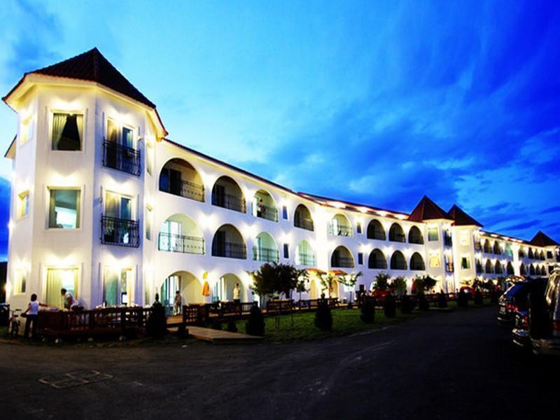 โรงแรม แซซัมรีสอร์ท  (Saesum Resort)