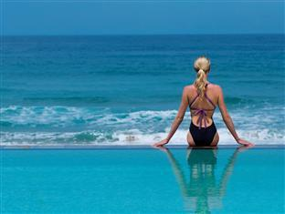 White Pearl Resorts Zitundo - Swimming Pool