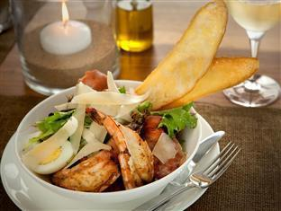 White Pearl Resorts Zitundo - Food, drink and entertainment