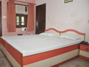 Aapnni Hotel