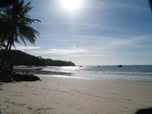 Bangtao Village Resort Phuket - Beach