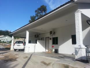 D' Teratak Zara Holiday House - 1 star located at Kuah