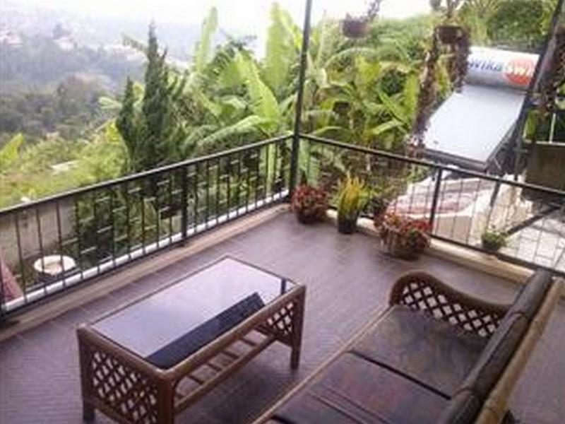 Villa Lembah Dago Seratour - Hotels and Accommodation in Indonesia, Asia