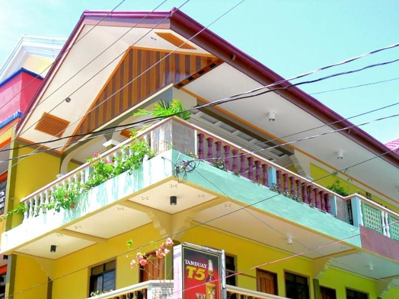 Zaniyas Pension - Hotels and Accommodation in Philippines, Asia