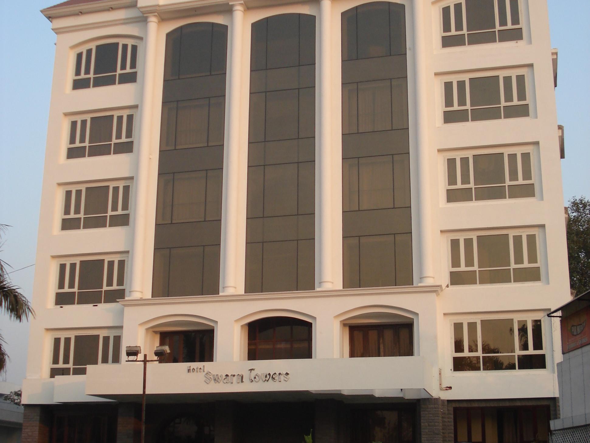 Hotel Swarn Towers - Bareilly