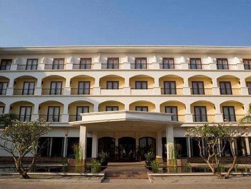 Lotus Resort & Spa
