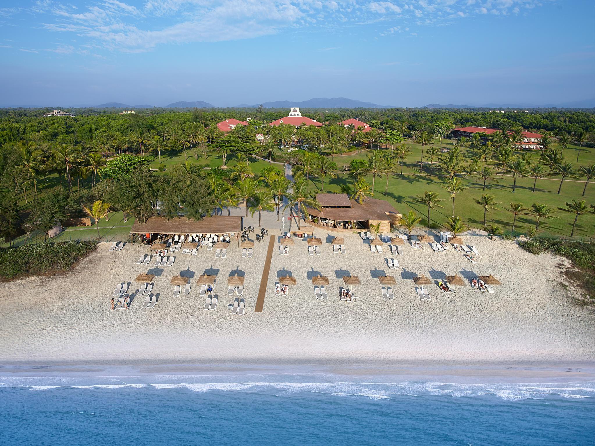 Ramada Caravela Beach Resort - Hotell och Boende i Indien i Goa