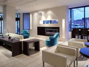 Bond Place Hotel Toronto (ON) - Lobby