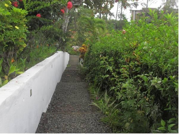 Ocean View Villas Hotel Manuel Antonio - Garden