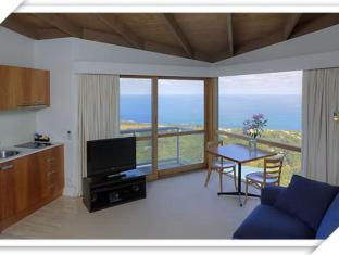 Chris's Beacon Point Villas - Room type photo