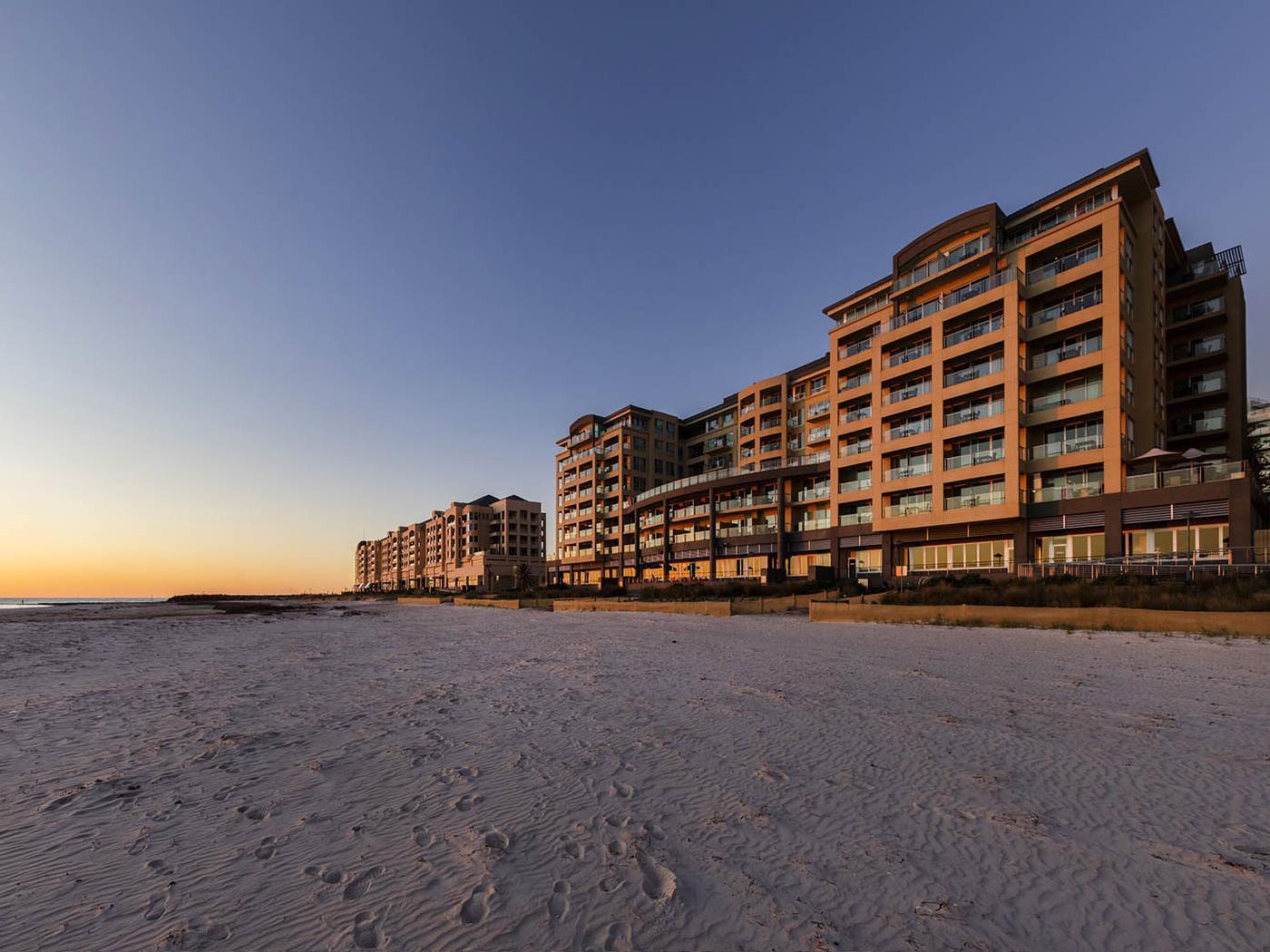 Oaks Plaza Pier Hotel - Hotell och Boende i Australien , Adelaide
