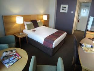 Novotel Langley Perth Hotel - Room type photo