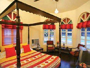 Varca Palms Beach Resort South Goa - Deluxe Pool Villa Bedroom