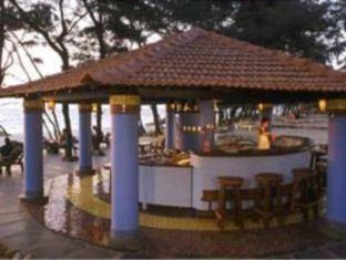 Varca Palms Beach Resort South Goa - Food, drink and entertainment