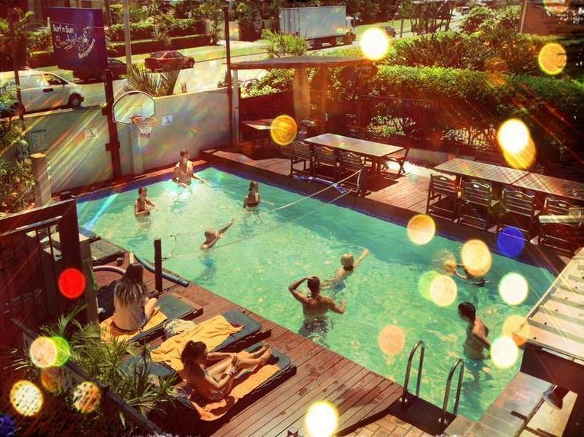 Surf n Sun Beachside Backpackers - Hotell och Boende i Australien , Guldkusten