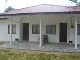 Saujana Sembilang Muslim Guest House - 1 star located at Kuah