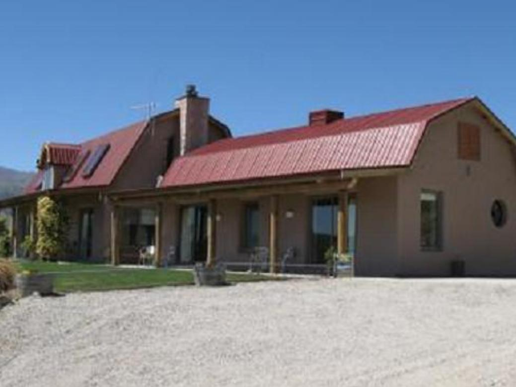 Ardgour Strawbale Bed and Breakfast - Hotels and Accommodation in New Zealand, Pacific Ocean And Australia