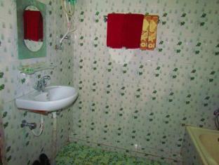 Chitwan Gaida Lodge Chitwan National Park - Bathroom