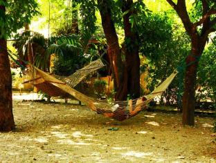 Chitwan Gaida Lodge Chitwan narodni park - zunanjost hotela