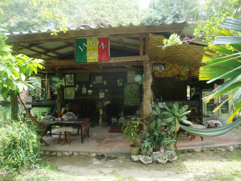 Hotell Jamin Bar Guest House i , Koh Phangan. Klicka för att läsa mer och skicka bokningsförfrågan