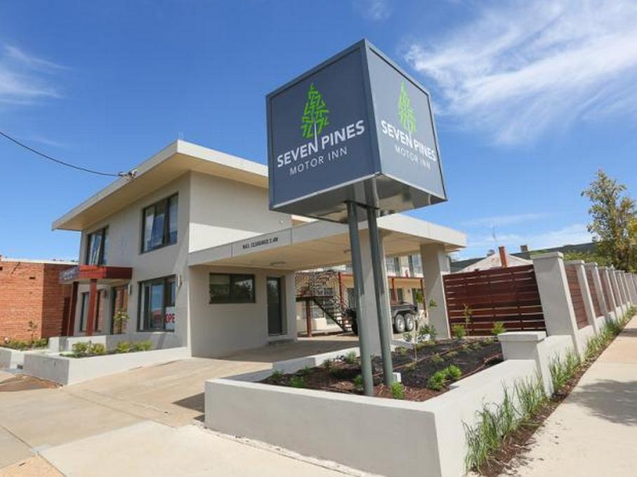 Seven Pines Motor Inn - Hotell och Boende i Australien , Mildura