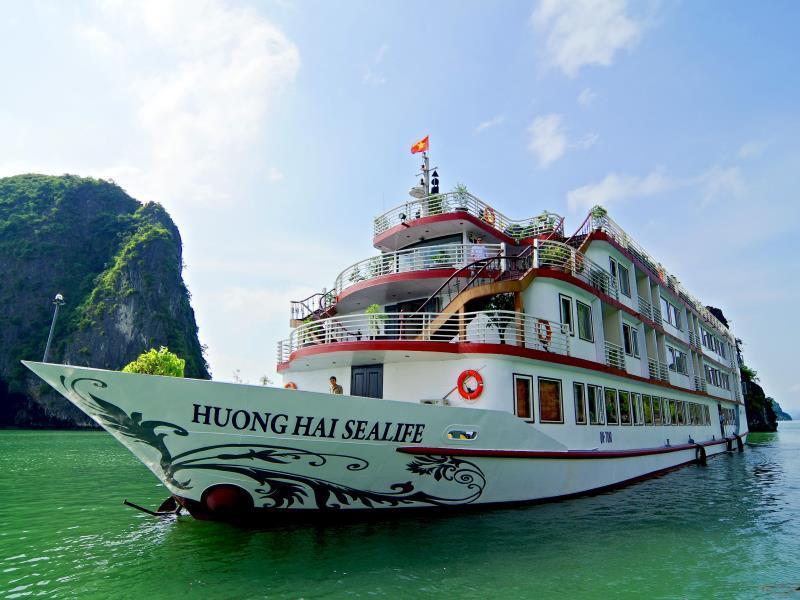 Huong Hai Sealife Cruise - Halong