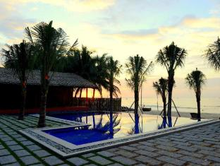Ananda Resort Phan Thiet - Beach Front Swimming Pool